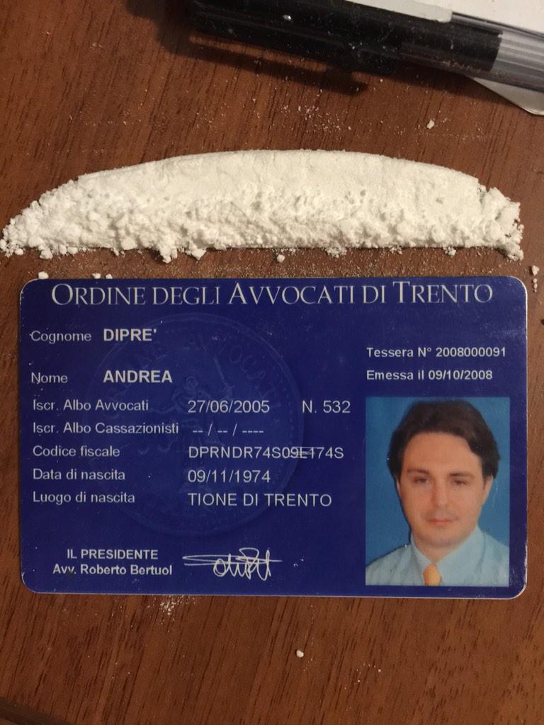 Andrea Diprè (@AndreaDipre): My lawyer card - Il mio tesserino di avvocato #lawyer #dipreism #andreadipre #cataphracted #sybaritic http://t.co/vAJn5jkbGs