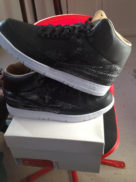 NOT MY SHOE POSTING FOR A FRIEND  BRAND NEW NIKE AIR PYTHON LUX  SIZE 12 ONLY!!!!  $160 http://t.co/KnRfcY0YI9