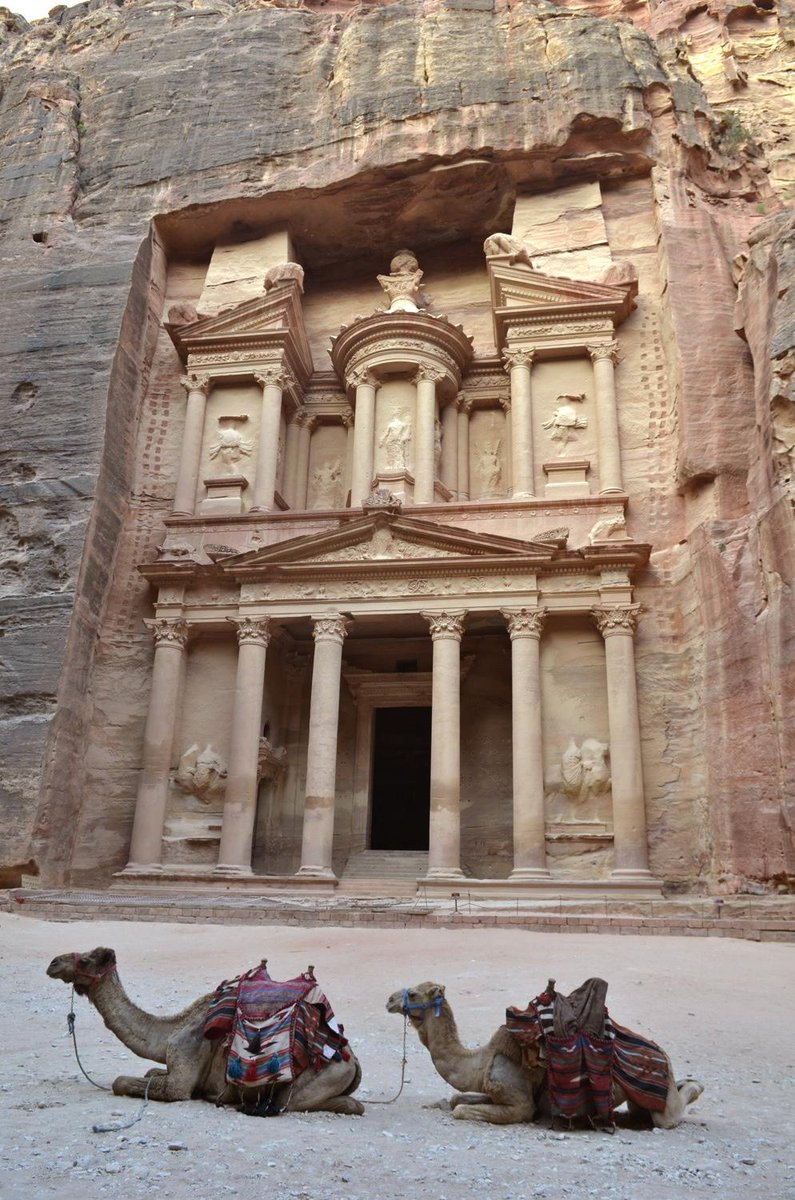 Seeing the amazing view of the Treasury in Petra was a dream come true! #ShareTheView of ur fave view w/ @AmexCanada! http://t.co/soPVClZQ6s