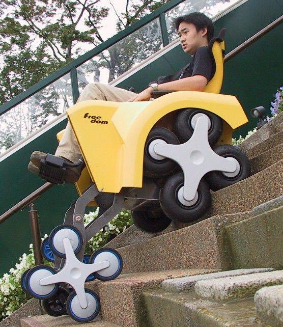 كرسى جديد لذوي الاحتياجات الخاصه يحقق لهم حلم صعود السلالم بدون مساعدة. #صورة http://t.co/Opc6E6yYGy
