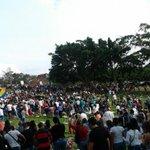 De está manera Despiden a Kluiverth Roa en el Jardín Metropolitano #Tachira 4:50 Q.E.P.D #25F #ProhibidoOlvidar http://t.co/CtPojjHytc