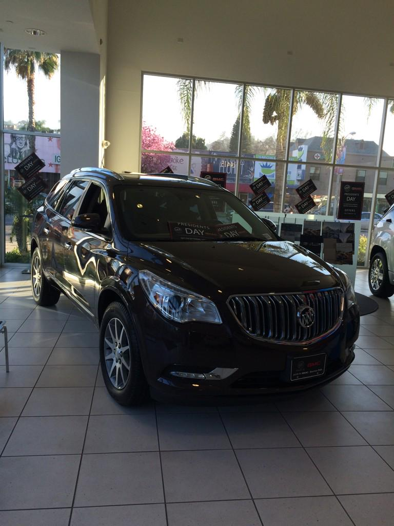 @Buick I am obsessed with my new #enclave!! The absolute best car for families! http://t.co/XfvKHfgqwv