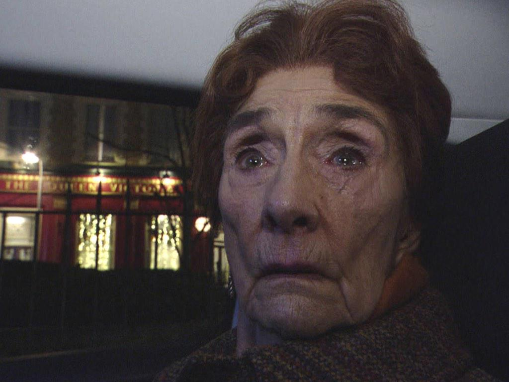 Every single person in the UK looked like this when #Madonna fell. #BRITAwards http://t.co/3Kz4gxfEw7