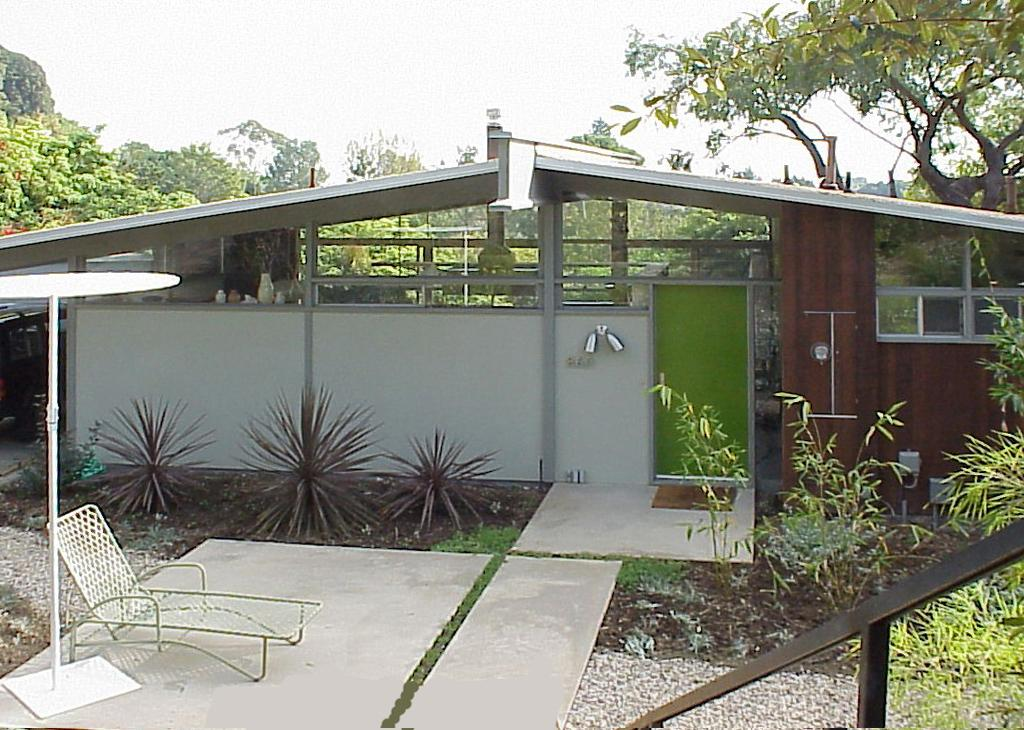LA architect Cory Buckner focuses on A. Quincy Jones' midcentury designs in new book. #DODLA http://t.co/5C29nYATg1 http://t.co/3NPbeeiAT9