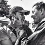 Vía @yamirobaina: Padre y hermano lloran a #KluiverthRoa 14 años asesinado bajo órdenes de #Maduro: http://t.co/lJzKmfyBbZ.