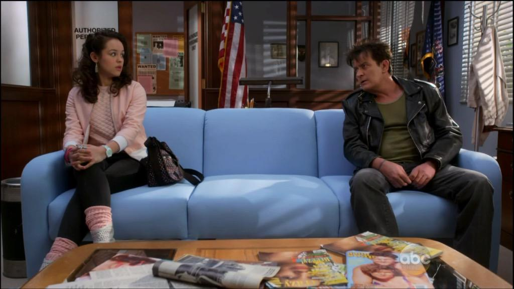 Erica getting life lessons from @charliesheen   . @hayleyorrantia is #winning! #AskHayley #GoldbergsDayOff http://t.co/MTTmc8ip6x