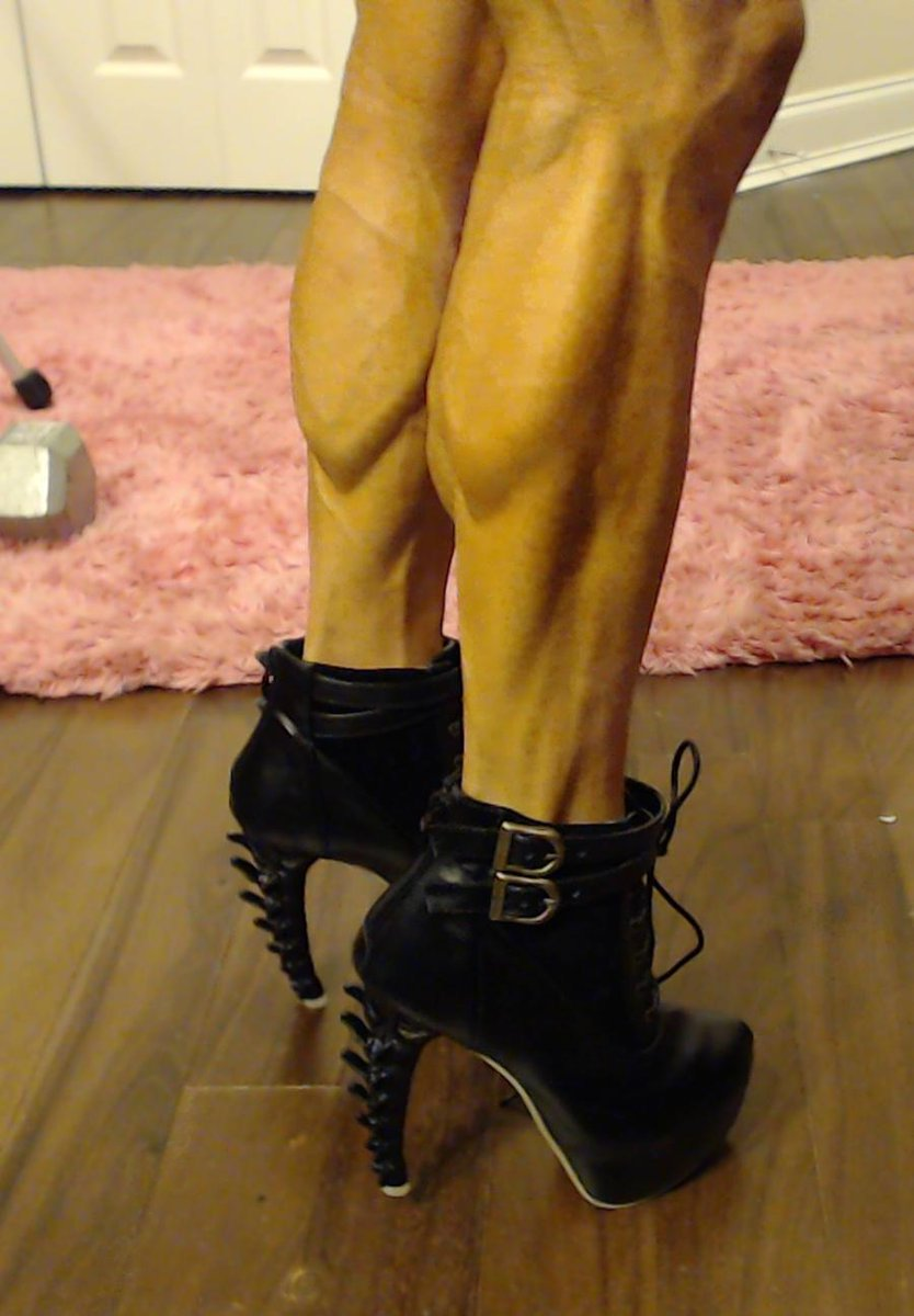 Thankyou to Hansul who got me these wonderful awesome shoes from my amazon wishlist. The heel is a skeleton