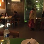 RT @YusraSAskari: If you can't feed the two little girls minding your child, please don't bring them to a restaurant!