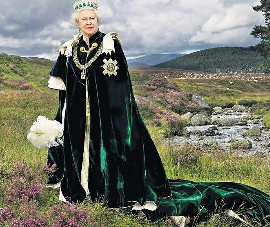Dear Madonna. This is how to wear a cape without falling over. Regards, The Queen. #MadgeDown http://t.co/zkp41CtwuQ