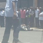 pictures of #mombasa shootout. People gathered. Traffic disrupted. http://t.co/1dcj3spSm4 via @kenyanspider
