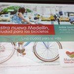 En instalación del #FMB4 mostramos por qué nuestra nueva Medellín es una ciudad para la bici, una ciudad para la Vida http://t.co/NYbPDKMBx6