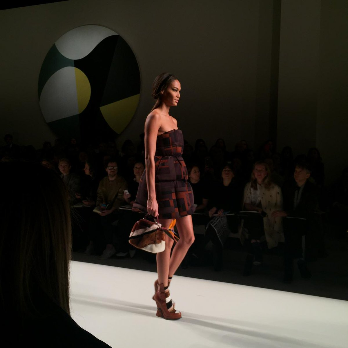 Joan Smalls at Fendi just makes my day every season, without fail #MFW http://t.co/LpRYu4MfgZ