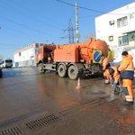 Пролив горячей водой дождеприемных колодцев на ул.Венцека. @Rudakov_i_a @DepBlagSamara http://t.co/jkRZZtdUja
