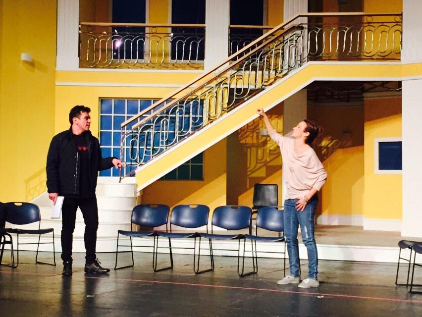 """Super EXCLUSIVA mañana en @programa_hoy !!! La tropa Lascurain de """"Mi ❤️ es tuyo"""" YA ensaya la obra de teatro!!! http://t.co/4NjEyrRgmm"""