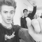 At the @vine offices... @nashgrier where you at #YEET http://t.co/nTuuv8RCi7