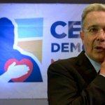 """Uribe dice que Santos """"desautoriza"""" la acción de las FF.MM. contra el terrorismo http://t.co/VT5WdNNABe http://t.co/6pfWhceZ7M"""