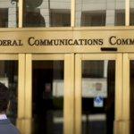 BREAKING: FCC approves net neutrality internet rules in 3-2 vote http://t.co/D8dYuIpdzO http://t.co/mPGfwAyIYw