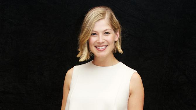 Rosamund Pike Lands Female Lead in �The Deep Blue Good-by� (EXCLUSIVE)
