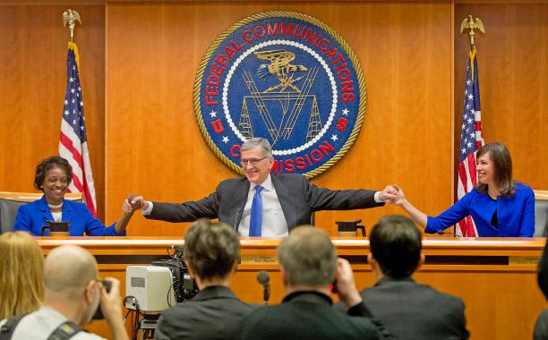 FCC votes 3-2 in favor of net neutrality: