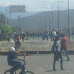 #Falcón #26F CONTINUA PROTESTA EN CORO ESTUDIANTES EN LAS CALLES http://t.co/DOQD2gH1GL