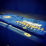 #BlueOut RT @GatorZoneMBK: FREE tshirts for everyone in the arena for Saturdays #Gators-#Vols. http://t.co/sLqBlIZy8p