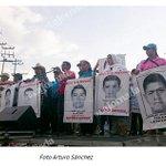 En 42 ciudades del mundo participan en la novena #AccionGlobalporAyotzinapa -> http://t.co/GzjIjRifls http://t.co/CzZgHaR9Mr