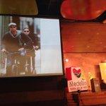 Van en bici y es la pareja más rica de Hollywood #FMB4 #noalestigmadelabici http://t.co/JWIuhIMAkG