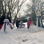 @LCABULLDOGS here is the snowman family, you can see Mrs. Guardias pregnancy #BulldogSnowman #Gobulldogs http://t.co/YaoeS5ViuE