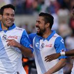Ahora les toca a ustedes, aficionados de @PueblaFC. RT para que se vayan 4 pases dobles. #LaPasiónManda http://t.co/5BGEB3CN2j