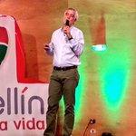 """""""La ciudad es de los seres humanos, no de los carros"""": @EnriquePenalosa en #FMB4. http://t.co/xEBXtPD5cC"""