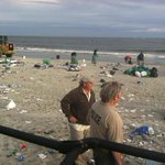 21,000 pounds of trash was left on St. Simons last year at #UFvsUGA. Lets change that stat: http://t.co/h5QSRLMF2y http://t.co/ekN7JYjyL5