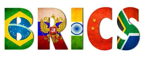 #AceitaQueDoiMenos RT @MaryoryVillasmi BRICS http://t.co/pwJ0aQYp5w