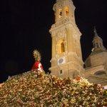 Fotos de Zaragoza - La Vírgen del Pilar y su manto de flores http://t.co/32AyjyohXy http://t.co/LbsIEzWj9j