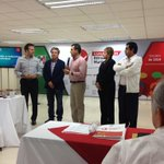 RT @juancuit: @EVillegasV saludando a quienes participamos en esta capacitación q coordina el @CDE_PRI_Durango @Rosytrianamtz http://t.co/3nikaicT77