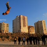 RT @OmarElQattaa: رياضة الباركور - شاطئ بحر #غزة Palestinian youth practice Parkour on #Gaza beach عدستي http://t.co/m9WnX2zD0Z