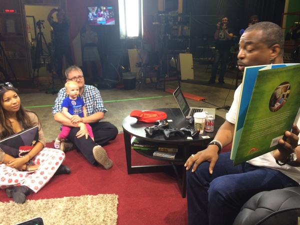 So this is the coolest thing that has ever happened to me. #RTExtraLife @levarburton http://t.co/alSobfrAYc