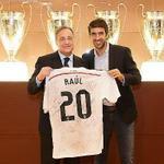 RT @elchiringuitotv: Raúl, HOMENAJEADO en el Bernabéu por los 20 años de su DEBUT. #ElChiringuitoDeNeox http://t.co/qQZlbxrpEH