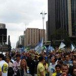 Vcs queriam chuva? A chuva taí: Caminhada pró-Aécio trazendo sorte para os paulistas. Começa a chover em São Paulo. http://t.co/nE0x3Phutg