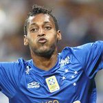 Marquinhos chegou a 5 gols no Brasileirão (3 pelo Cruzeiro), ele tem também 3 assistências. http://t.co/S43wTxYENm