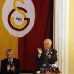 RT @GalatasaraySK: FOTO | Galatasaray Spor Kulübü 35. Başkanı Prof. Dr. Duygun Yarsuvat seçildi. http://t.co/LNDeIO94WH