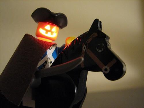 How to hack LEDs into #Lego #minifigures from @EMSL #awesome http://t.co/9TXiI2wBGG http://t.co/p0P5e2ba4i