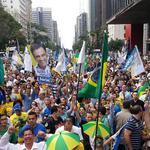 RT @BR19752014: http://t.co/LfW2OPQsgW Manifestação pró @AecioNeves São Paulo está desesquerdizada. #AgoraEAecio45Confirma.