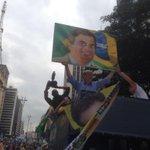 RT @joseserra_: Uma passeata histórica em SP. Milhares e milhares de pessoas na rua clamando pela democracia,decência e pela mudança. http://t.co/etUR0lbljc