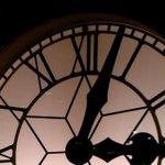 RT @A3Noticias: RECUERDA: Hoy dormiremos una hora más. A las 3 serán las 2, retrasamos los relojes http://t.co/QbPUNa2cmG http://t.co/nScrFEsPJc