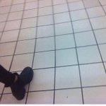 RT @RDGOriginal: Ptdr jurez elle a 1004 jaime pour le carrelage de Carrefour putin ???? http://t.co/moeoMnrzyT