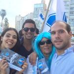 RT @MartinLema404: Repartiendo la lista de @luislacallepou en Pocitos juntó a tremenda barra. #VotaLP404 http://t.co/DbWwRCmndo