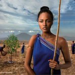 RT @JornalOGlobo: Lavradoras africanas viram modelos em calendário. http://t.co/y95HxqycM7 http://t.co/KmCVlTNFtd