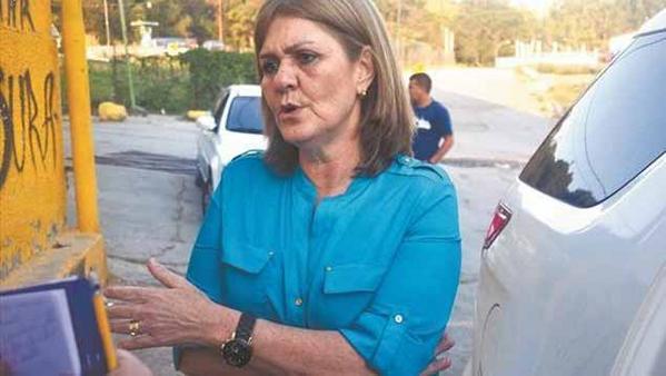 SuNoticiero (@SuNoticiero): Rosa de Scarano acusa a Diosdado de tergiversar lo ocurrido en Ramo Verde http://t.co/LV3CTmgvau http://t.co/WCNOhereEb