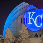 RT @KCeverything: The whole city is united #Blue tonight-a testament to who we are as a community. Go #Royals #KC #TakeTheCrown http://t.co/FVvOxg03MS