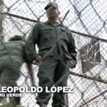 Este es el pronunciamiento de Leopoldo López desde su celda en Ramo Verde http://t.co/YC99OeIzt1 http://t.co/sQn8j3Xkp3